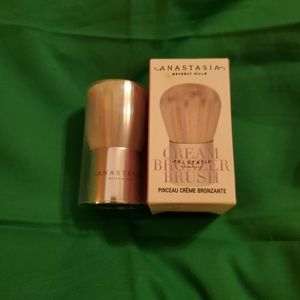 ANASTASIA BEVERLY HILLS CREAM BRONZER BRUSH NIB